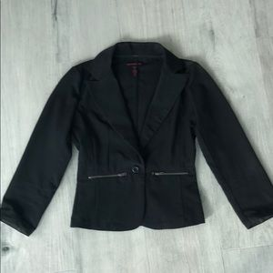 Woman's cropped blazer
